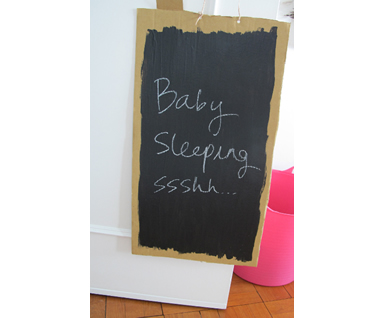 non toxic chalkboard paint babyccino kids daily tips. Black Bedroom Furniture Sets. Home Design Ideas