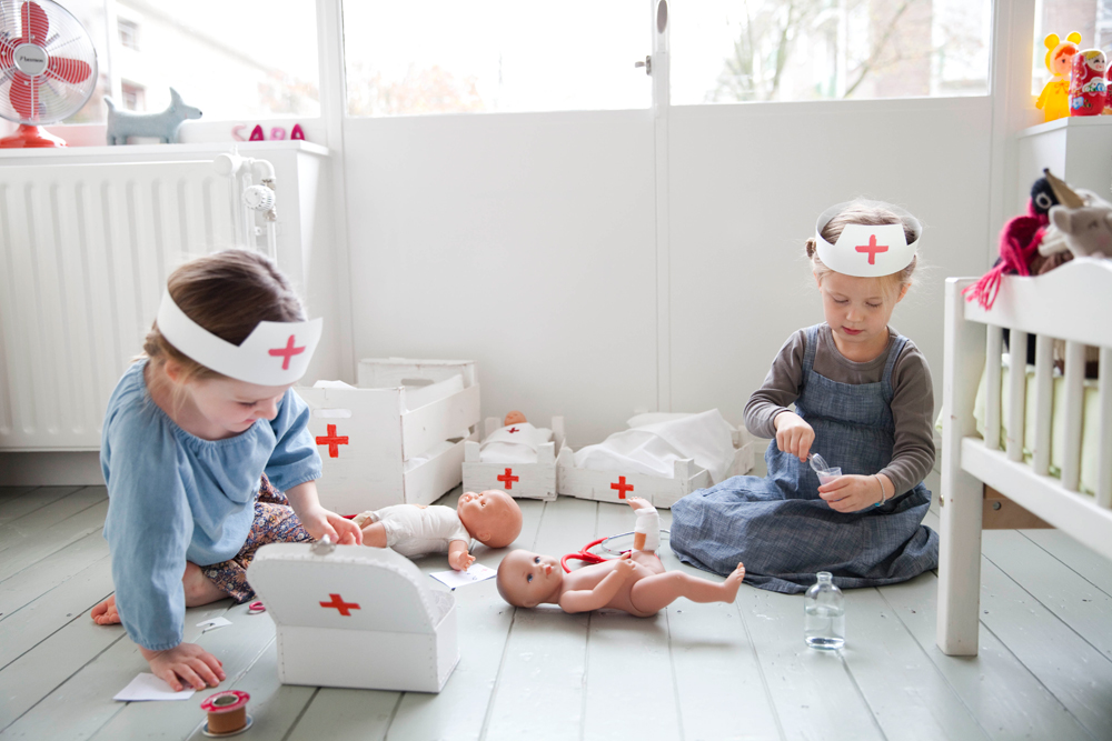 A Doll Hospital (The Little Things by Babyccino Kids)