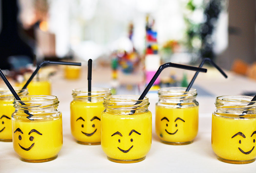 Lego-party-cups