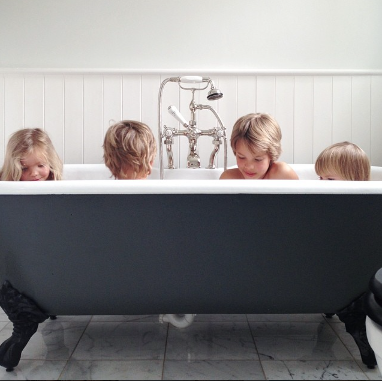 How often do you bathe your kids babyccino kids daily - Baby spa barcelona ...