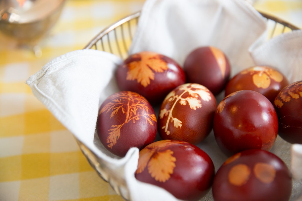 The Little Things by Babyccino Kids -- dying traditional Orthodox Easter eggs