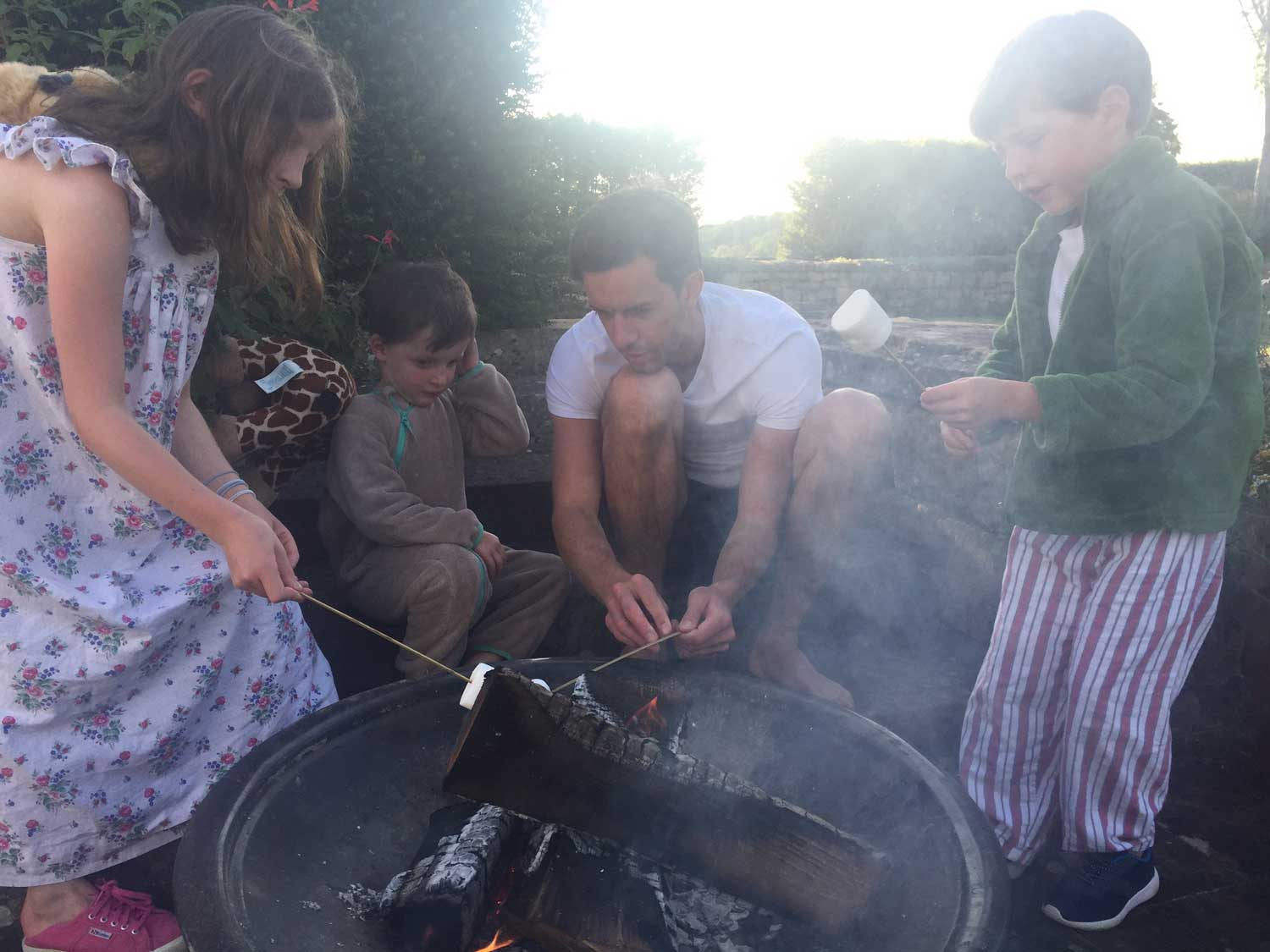 toasting-marshmallows
