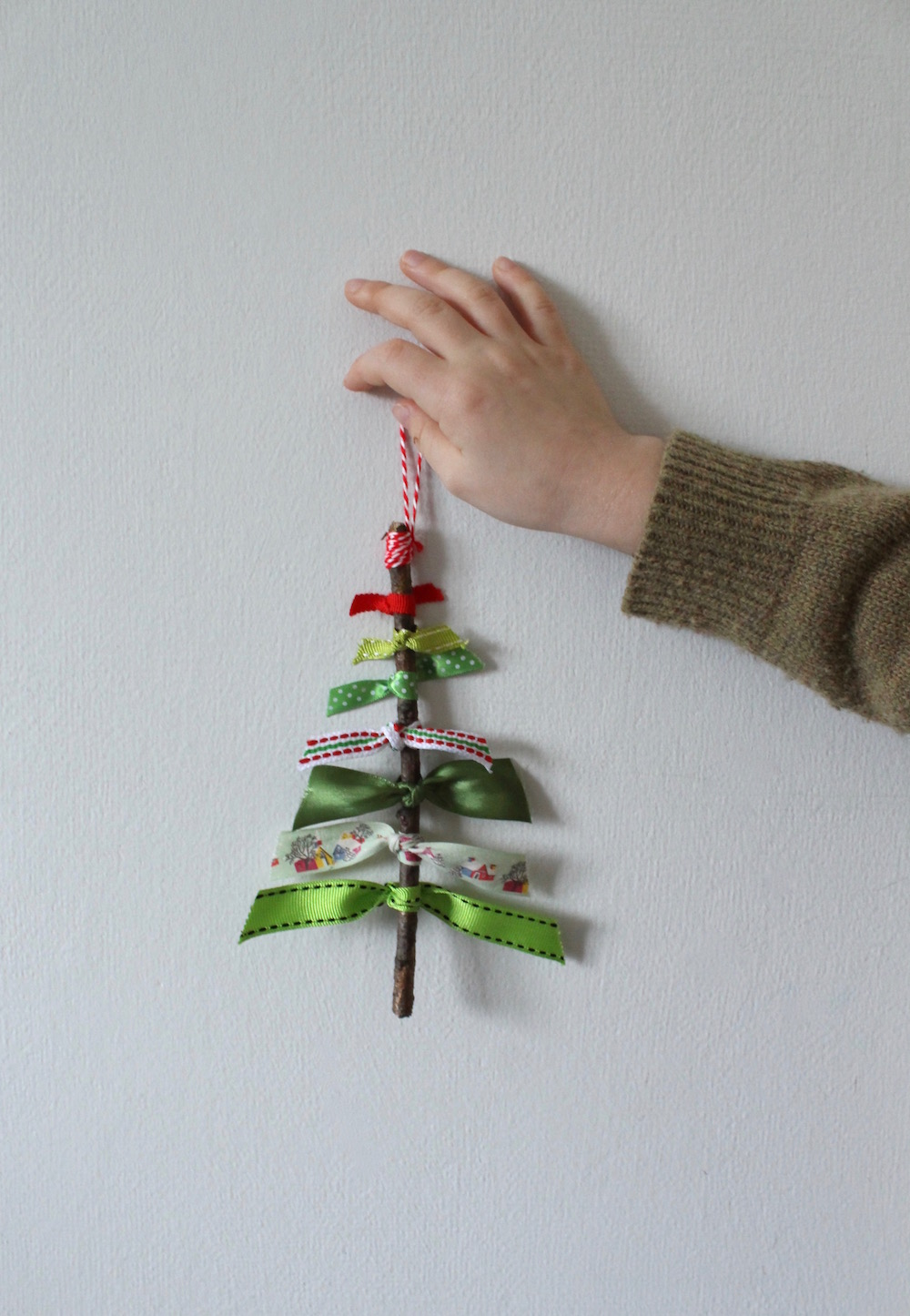 Easy Christmas Craft Ribbon And Stick Christmas Trees