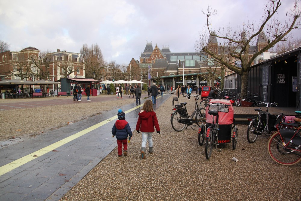 museumplein-ice-skating