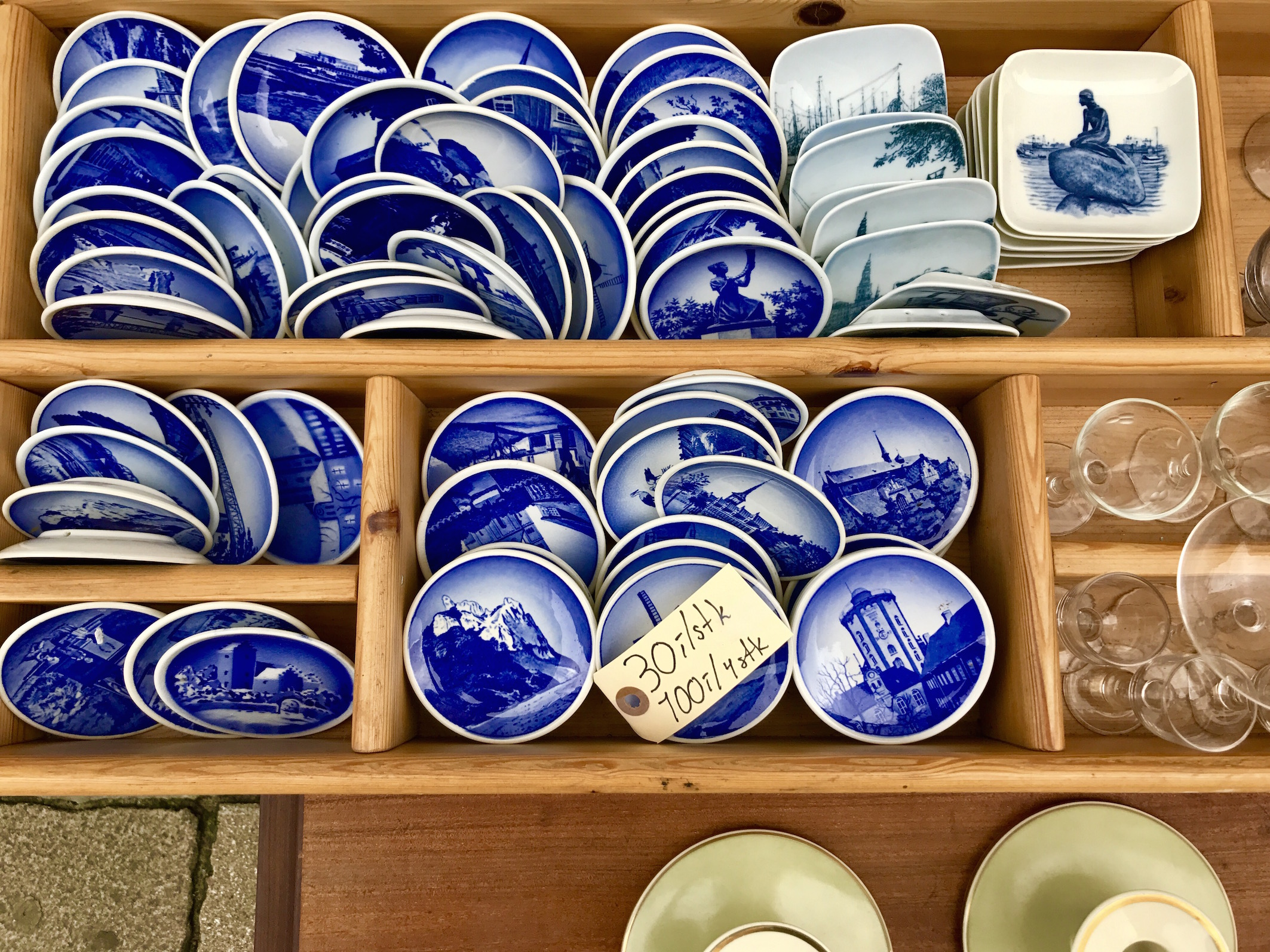 Souvenirs From Copenhagen Vintage Danish Blue Plates Babyccino Kids Daily Tips Children S Products Craft Ideas Recipes More