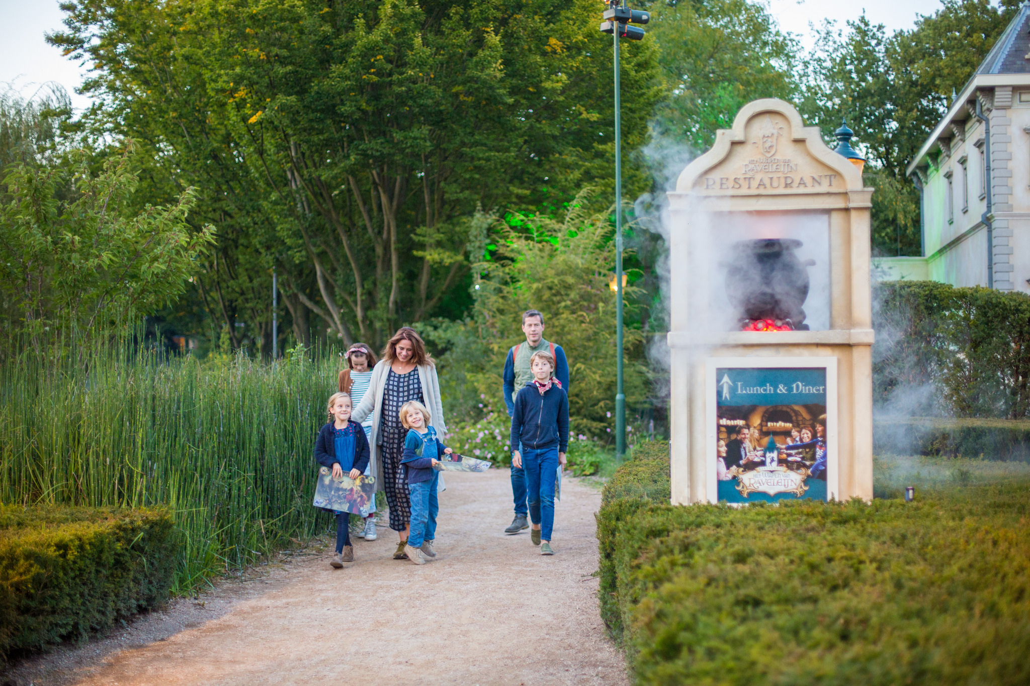 A weekend visit to the Efteling and Beekse Bergen safari